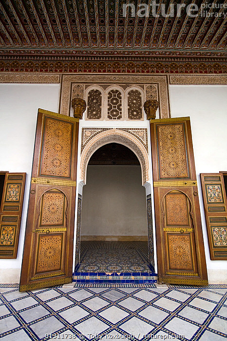 Large doors in the Bahia Palace, Marrakech, Morocco, March 2010., AFRICA,ARCHITECTURE,BUILDINGS,CITIES,DOORS,DOORWAYS,MOROCCO,NORTH AFRICA,ORNATE,PALACES,PATTERNS,VERTICAL,NORTH-AFRICA, Toby Roxburgh