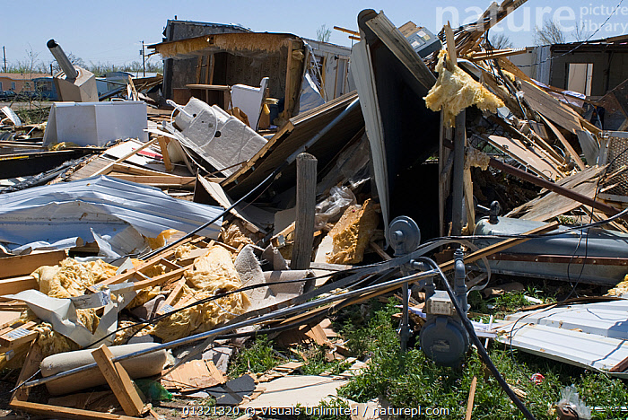 Mobile homes destroyed by a tornado in Cactus, Texas, USA, April 2007  ,  ADVERSITY,CHAOS,DAMAGE,DEBRIS,DESTRUCTION,DISASTERS,EMERGENCIES,HOME,LANDSCAPES,MISFORTUNE,MOBILE,OUTDOORS,TEXAS,TORNADO,USA,VIOLENT,WEATHER,North America  ,  Visuals Unlimited