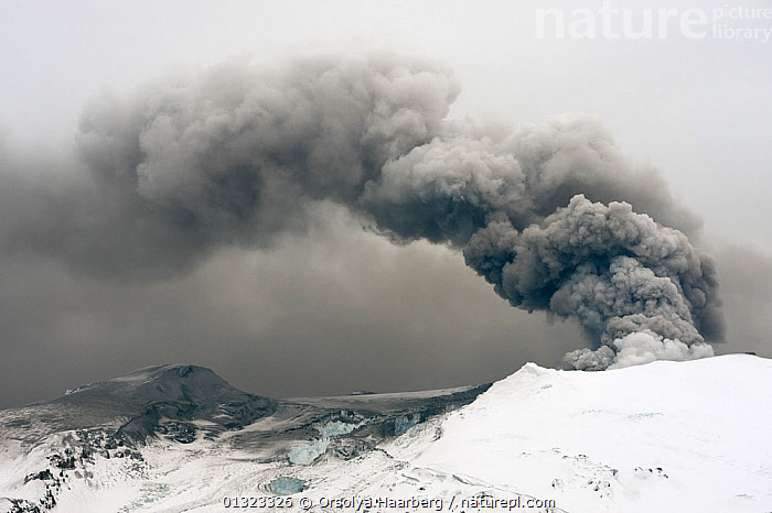 Ash plume from the Eyjafjallajokull volcano eruption being blown by the wind, Iceland, April 2010  ,  ERUPTING,ERUPTION,EUROPE,ICE,ICELAND,LANDSCAPES,SMOKE,SNOW,VOLCANOES,WIND,Geology,Weather  ,  Orsolya Haarberg