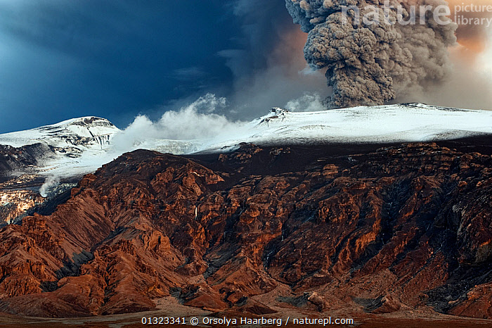 Ash plume from the volcano erupting under the Eyjafjallajokull ice cap, Iceland, May 2010  ,  ERUPTING,ERUPTION,EUROPE,ICE,ICELAND,LANDSCAPES,SMOKE,SNOW,SUBGLACIAL,VOLCANOES,Geology  ,  Orsolya Haarberg