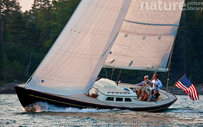 Family on board Morris 42 extend coach house yacht, Rhode Island, USA, September 2010. All non-editorial uses must be cleared individually.  ,  BOATS,COASTS,CRUISING,ENSIGNS,MS,NORTH AMERICA,PROFILE,SAILING BOATS,USA,YACHTS  ,  Onne van der Wal