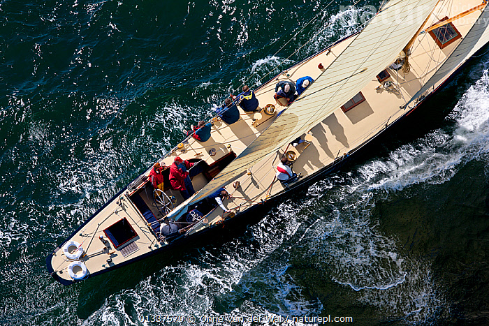 Aerial view of yacht during the 12 Metre North American Championships. Newport, Rhode Island, USA, September 2010. All non-editorial uses must be cleared individually.  ,  12 METRES,AERIALS,BOATS,CHOPPY,CREWS,DECKS ,MS,NORTH AMERICA,PEOPLE,RACES,SAILING BOATS,USA,YACHTS,SAILING-BOATS,BOAT-PARTS,core collection xtwox  ,  Onne van der Wal