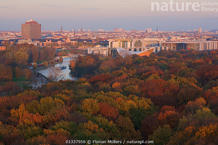 Aerial view from Siegessaeule of the Tiergarten Park, River and city centre, Berlin, Germany. November 2009  ,  AERIALS,CITIES,EUROPE,GERMANY,LANDSCAPES,PARKLAND,PARKS,RIVERS,TREES,WATER,WOODLANDS,PLANTS  ,  Florian Möllers