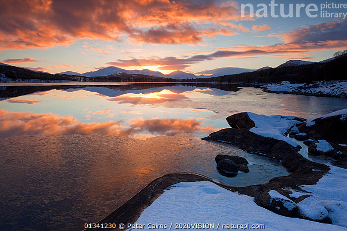 Sunset over Loch Laggan, Creag Meagaidh NNR, Highland, Scotland, UK, December 2010, 2020VISION,ATMOSPHERIC,CLOUDS,EUROPE,LAKES,LANDSCAPES,MOUNTAINS,PCA_3_0161210_32,REFLECTIONS,RESERVE,SCOTLAND,SNOW,SUNSET,UK,WATER,WINTER,Weather,United Kingdom, Peter Cairns / 2020VISION