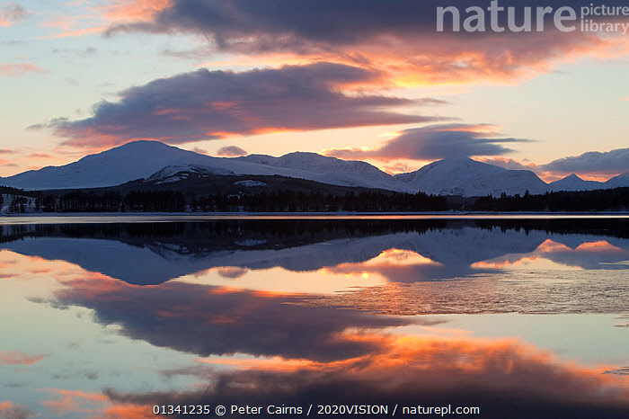 Sunset over Loch Laggan, Creag Meagaidh NNR, Highland, Scotland, UK, December 2010, 2020VISION,ATMOSPHERIC,CLOUDS,EUROPE,LAKES,LANDSCAPES,MOUNTAINS,PCA_3_0161210_40,REFLECTIONS,RESERVE,SCOTLAND,SUNSET,UK,WATER,WINTER,Weather,United Kingdom, Peter Cairns / 2020VISION