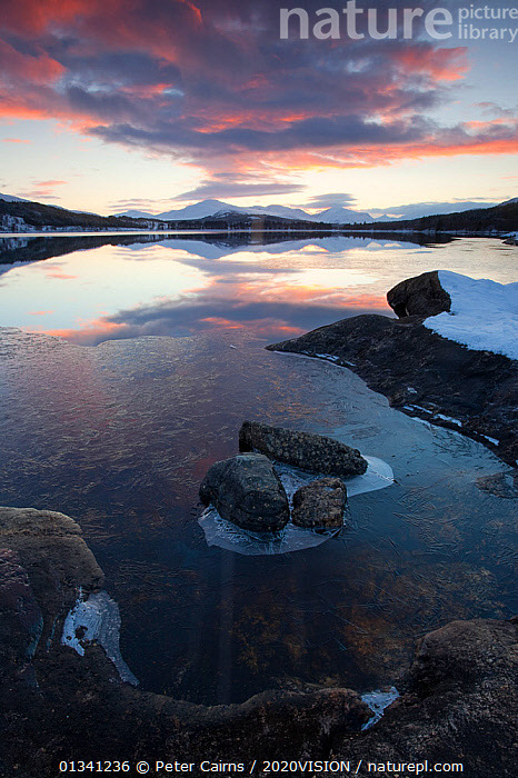 Sunset over Loch Laggan, Creag Meagaidh NNR, Highland, Scotland, UK, December 2010, 2020VISION,ATMOSPHERIC,EUROPE,LAKES,LANDSCAPES,MOUNTAINS,PCA_3_0161210_42,RESERVE,SCOTLAND,SUNSET,UK,VERTICAL,WATER,WINTER,United Kingdom, Peter Cairns / 2020VISION