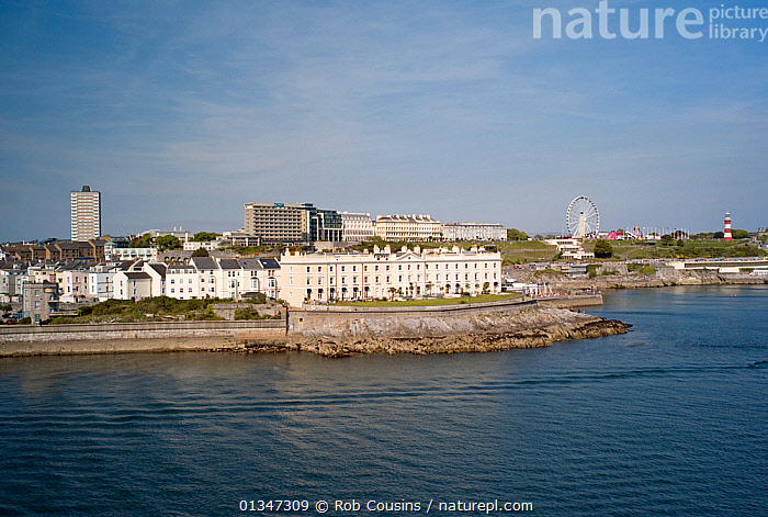 Plymouth Harbour and The Hoe, England, April 2011.  ,  BUILDINGS,CITIES,COASTS,EUROPE,HARBOURS,LANDSCAPES,TOWNS,UK,United Kingdom  ,  Rob Cousins