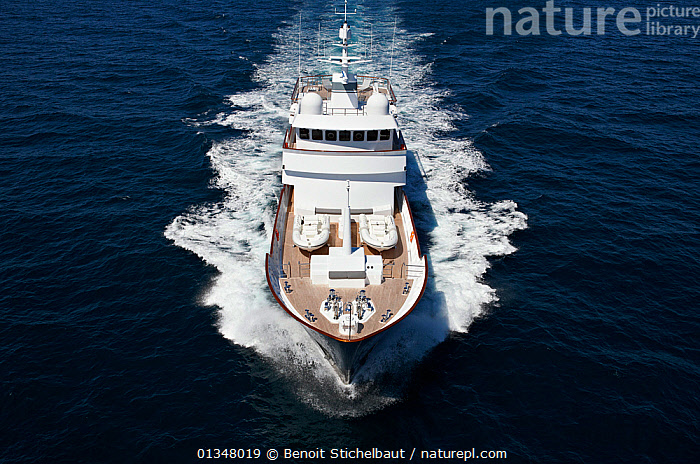 "Aerial image of superyacht ""Axantha II"", Brittany, France, June 2011. All non-editorial uses must be cleared individually., AERIALS,BOATS,DECKS ,EUROPE,FRONT VIEWS,HIGH ANGLE SHOT,LARGE,LUXURY,POWERFUL,SPRAY,SUPERYACHTS,WAKE,BOAT-PARTS,SIZE ,Concepts,core collection xtwox, Benoit Stichelbaut"