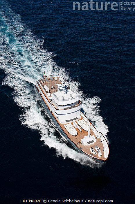 "Aerial image of superyacht ""Axantha II"", Brittany, France, June 2011. All non-editorial uses must be cleared individually., AERIALS,BOATS,DECKS ,EUROPE,LARGE,LUXURY,MOTORBOATS,POWERFUL,SUPERYACHTS,VERTICAL,WAKE,BOAT-PARTS,SIZE ,Concepts,core collection xtwox, Benoit Stichelbaut"