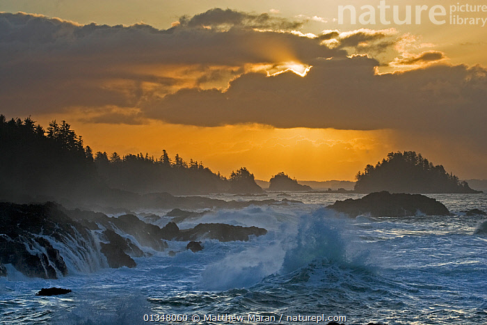Rough seas crashing against rocky shore in front of a dramatic cloudy sky. The Broken Group Islands, Ucluelet, Vancouver Island, Canada., BAD WEATHER,BEAUTY IN NATURE,BRITISH COLUMBIA,CANADA,CLOUDS,COASTS,DRAMATIC,ISLANDS,LANDSCAPES,NORTH AMERICA,NP,RESERVE,ROCKS,SEAS,SEASCAPES,VANCOUVER,VANCOUVER BOOK,WATER,WEATHER,WEST CANADA,CONCEPTS,National Park, Matthew Maran
