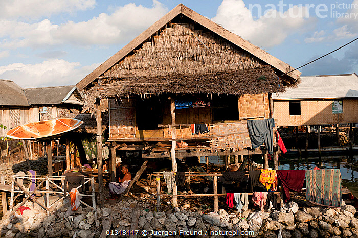 Bajau village Sama Bahari in Kaledupa, totally reclaimed from the sea with a foundation made of mined coral. Indonesia, November 2009., ASIA,BUILDINGS,CORAL TRIANGLE,CORALS,CULTURES,INDO PACIFIC,ISLANDS,LAUNDRY,PEOPLE,SOUTH EAST ASIA,TRADITIONAL,VILLAGES,WOODEN,, Jurgen Freund