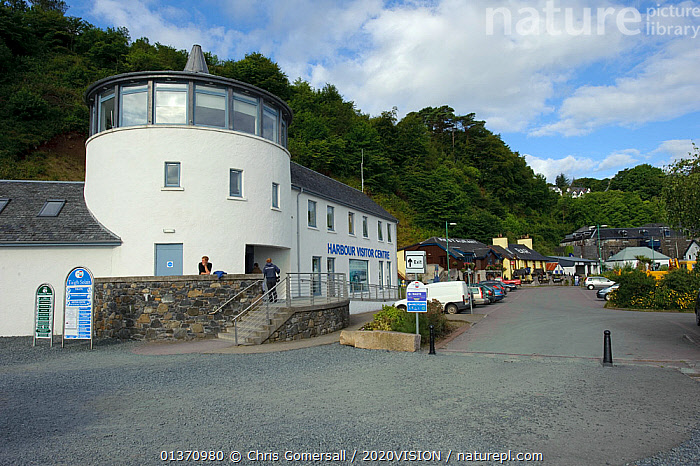 Harbour Visitor Centre at Tobermory, Mull, Inner Hebrides, Scotland, UK, July 2011  ,  COASTAL WATERS,EUROPE,2020VISION,BUILDINGS,LANDSCAPES,LEISURE,SCOTLAND,SEAS,TOURISM,UK,United Kingdom  ,  Chris Gomersall / 2020VISION