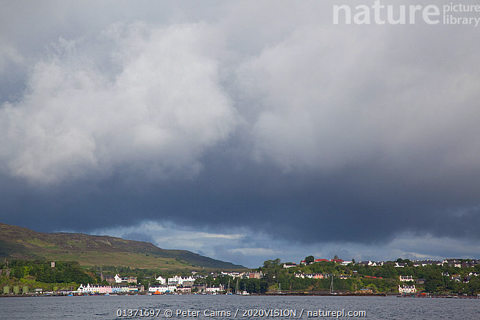 Town of Portree, Skye, Inner Hebrides, Scotland, UK, June  ,  2020VISION,ECOTOURISM,LANDSCAPES,SCOTLAND,SEAS,TOWNS,UK,CLOUDS,COASTAL WATERS,ECO TOURISM,EUROPE,Weather,United Kingdom  ,  Peter Cairns / 2020VISION