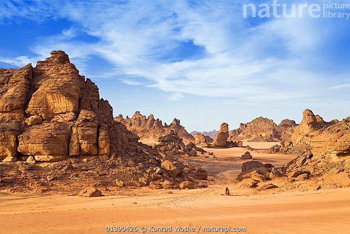 Rock formations in the Libyan desert, Wadi Awis, Akakus mountains, Libya, North Africa, November 2007  ,  AFRICA,BARREN,DESERTS,HABITAT,LANDSCAPES,NORTH AFRICA,ROCK FORMATIONS,ROCKS  ,  Konrad Wothe