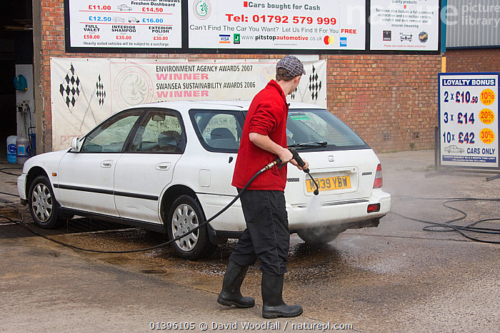 Award winning car washing business using recycled water involving reedbed to aid conservation of precious resource, Swansea, Wales, UK 2009  ,  BUSINESS,CARS,CONSERVATION,EUROPE,INNOVATIVE,MODERN,PEOPLE,PROJECT,RESOURCES,SOUTH WALES,UK,VEHICLES,WALES,WASHING,WATER,United Kingdom  ,  David Woodfall