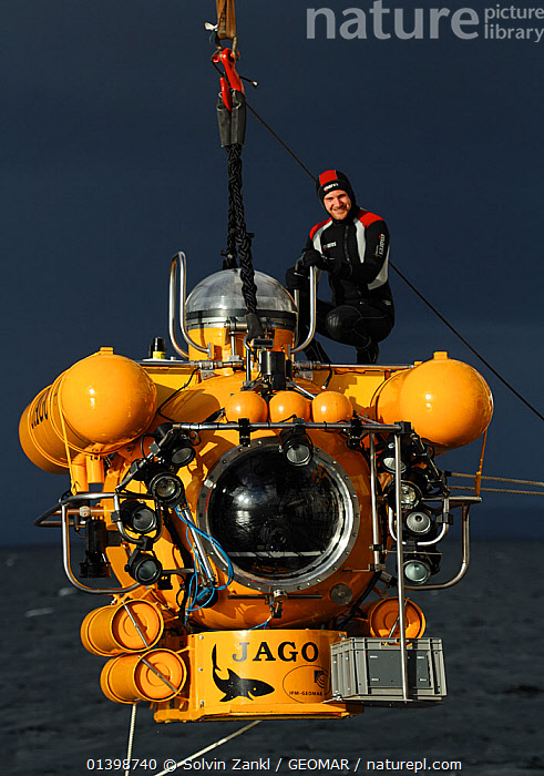 Submersible JAGO, preparing to dive, at the Sula Reef off the coast of Norway, September 2011, editorial use only. Photo taken in cooperation with GEOMAR coldwater coral research project  ,  COLD,DEEPSEA,DIVING,EUROPE,EXPLORATION,MAN,NORWAY,PEOPLE,RESEARCH,SCANDINAVIA,SCIENCE,SUBMARINES,SUBMERSIBLES,TRANSPORTATION,VERTICAL,BOATS  ,  Solvin Zankl / GEOMAR