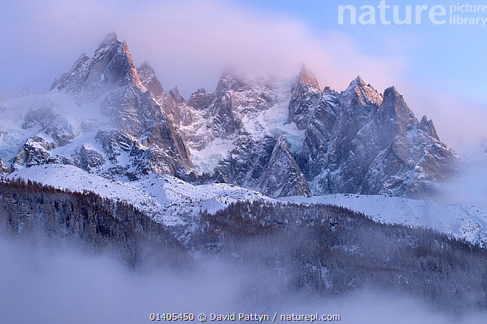 Mountains covered in snow, Chamonix, France, in winter of December 2011, ALPS,EUROPE,FRANCE,FRENCH ALPS,HIGHLANDS,LANDSCAPES,MOUNTAINS,PEAKS,RIDGES,SNOW,WINTER,Catalogue5, David Pattyn