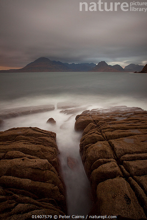 Elgol beach on stormy day, Isle of Skye, Scotland  ,  ATMOSPHERIC,BLURRED,CLOUDS,COASTAL WATERS,COASTS,EUROPE,GEOLOGY,LANDSCAPES,MARINE,ROCKS,SCOTLAND,SEA,STORMS,TIDAL,UK,VERTICAL,WATER,WAVES,Weather,United Kingdom , Inner Hebrides  ,  Peter Cairns