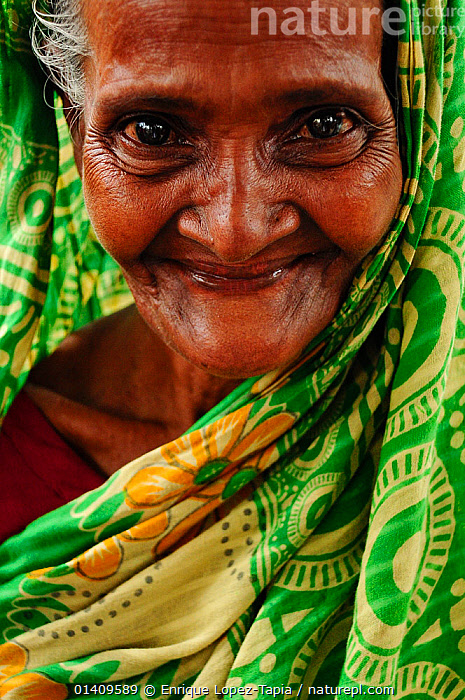 Elderly woman in the Sundarbans National Park,  Bangladesh, UNESCO World Heritage Site. June 2012. No release available., ASIA,ASIAN ETHNICITY,BANGLADESH,ELDERLY,FACES,HAPPY,NP,OLD,PEOPLE,PORTRAITS,RESERVE,SMILING,VERTICAL,WOMAN,National Park,Catalogue5, Enrique Lopez-Tapia