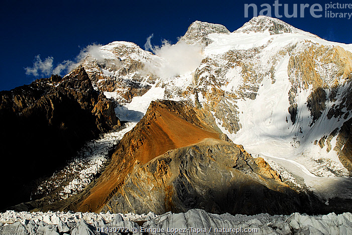 Broad Peak (8,047m) seen from Concordia, the confluence of the Baltoro Glacier and the Godwin-Austen Glacier, Central Karakoram National Park, Pakistan, June 2007., ASIA,GLACIERS,HIMALAYA,HIMALAYAS,ICE,INDIAN SUBCONTINENT,KARAKORAM,LANDSCAPES,MOUNTAINS,NP,RESERVE,SNOW,UPLANDS,Geology,National Park, Enrique Lopez-Tapia