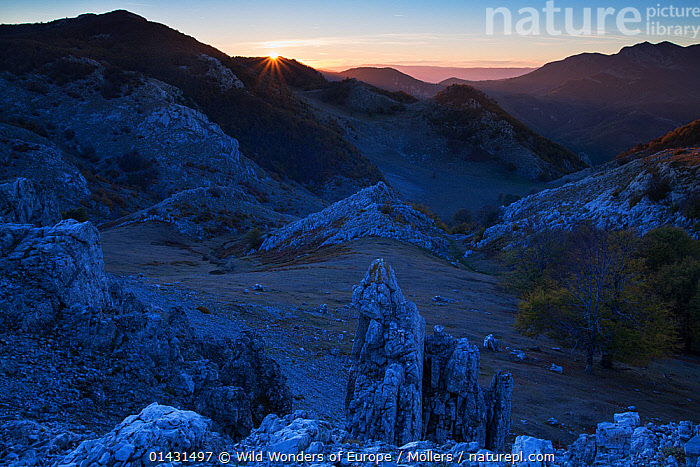 Sunset over the mountains overlooking the Crovu Porcului ('Pig valley') Mehedinti Plateau Geopark, Romania, October 2012, EUROPE,FLORIAN MOELLERS,REWILDING,ROCK FORMATIONS,ROMANIA,WWE,DUSK,EASTERN EUROPE,HORIZONTAL,LANDSCAPES,MOUNTAINS, Wild Wonders of Europe / Möllers