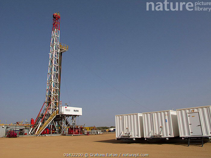 A land drilling rig, exploring for oil near Lokichar, Kenya, March 2012  ,  DRILLING,EAST AFRICA,ENVIRONMENTAL,OIL,AFRICA,DRILLS,EQUIPMENT,FOSSIL FUELS,FUEL,FUEL EXTRACTION,KENYA,MACHINERY  ,  Graham Eaton