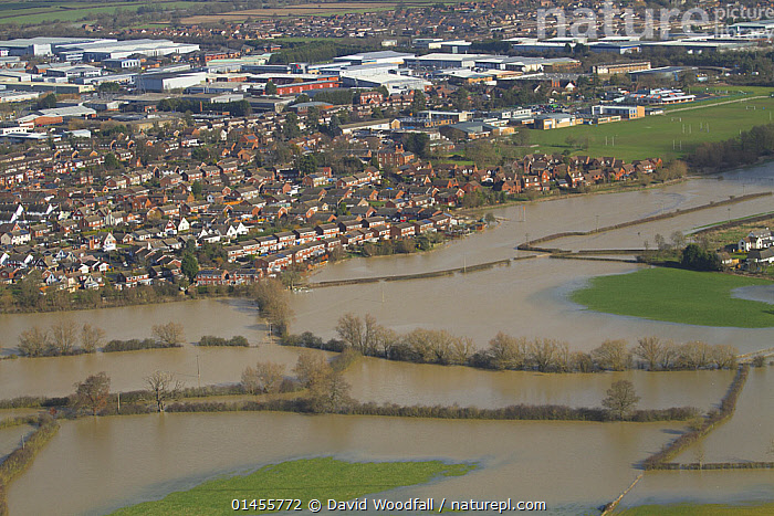 Town of Tewkesbury threatened with flood waters, during February 2014 flooding, Gloucestershire, England, UK, 7th February 2014.  ,  EUROPE,WESTERN EUROPE,WEST EUROPE,UK,BRITAIN,GREAT BRITAIN,UNITED KINGDOM,ENGLAND,GLOUCESTERSHIRE,AERIAL VIEW,AERIAL SHOTS,AERIALS,BIRDS EYE VIEW,FLOODED,FLOODING,FLOODS,FLOODWATER,FLOODWATERS,WATER,WEATHER,ENVIRONMENT,ENVIRONMENTAL ISSUES,ENVIRONMENTAL ISSUE,GLOBAL WARMING,GREENHOUSE EFFECT,CLIMATE CHANGE  ,  David  Woodfall