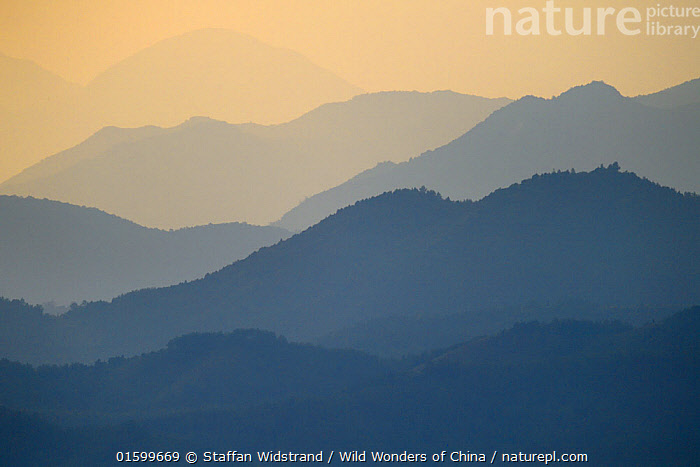 Sunset over Yangxian Nature Reserve, Shaanxi, China, September 2017., Mood,Calm,Asia,East Asia,China,Back Lit,Sunset,Setting Sun,Sunsets,Landscape,Reserve,Silhouette,Protected area,Dusk,, Staffan Widstrand / Wild Wonders of China