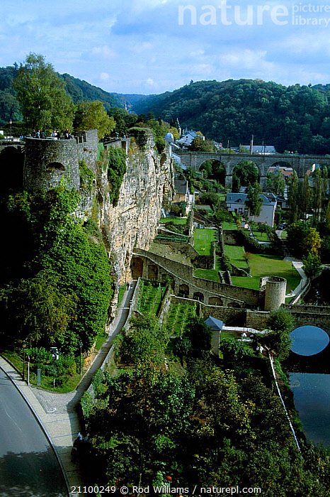 Terraced gardens and medieval fortifications beside river Luxembourg Europe, BUILDING,CITIES,LANDSCAPES,ALZETTE,LANDSCAPES,RIVERS,BUILDINGS,CITY,EUROPE, Rod Williams