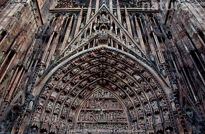 West front of cathedral red sandstone Strasbourg France, STONE,LANDSCAPES,CITY,CARVINGS,CITIES,BUILDING,BUILDINGS,CARVING ,CHURCHES,Europe, Rod Williams