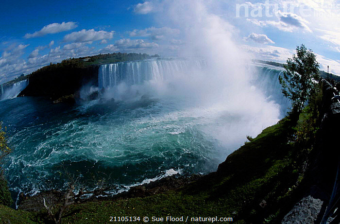 Niagara falls Ontario Canada. Fish-eye image, WATERFALLS,NORTH AMERICA,LANDMARK,LANDSCAPES,RIVERS,SPRAY,CANADA, Sue Flood