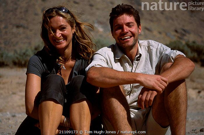Steve Leonard and Saba Douglas-Hamilton on location in Hoanib river Namibia Africa. 2001  ,  PRESENTERS,TELEVISION,SOUTHERN AFRICA,PRESENTER,PORTRAITS  ,  Tom Hugh-Jones