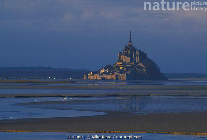 Mont St Michel Normandy France  ,  COASTS,HISTORIC,LANDMARK,ISLAND,MUDFLATS,LANDSCAPES,BUILDINGS,LITTORAL,INTERTIDAL,Europe  ,  Mike Read